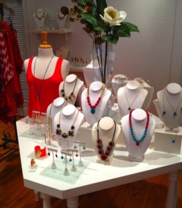 Lilac Bijoux Downtown Chic Shopping